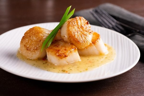 Scallops with White Wine & Herb Sauce